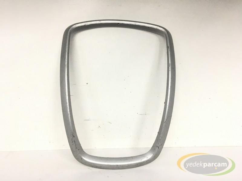 Peugeot 207 Teyp Çerçevesi
